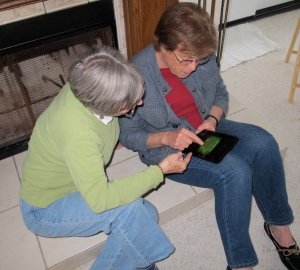 Is Dot teaching Lynda about Scorpion Solitaire?