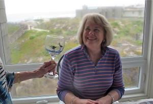 I really liked Diana's and Lynda's wine glass drawings.