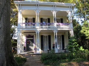 Our favorite place in Vicksburg was the McRaven House, the most haunted house in Mississippi.